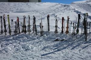 ski-poles-999264_960_720