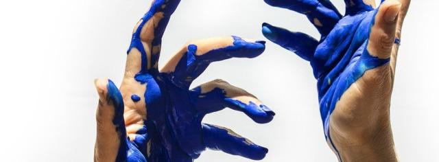 Hände in Farbe